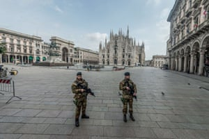 Army checkpoints in Piazza Duomo, Milan
