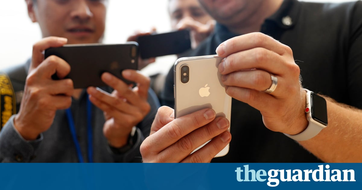 Flying to US to get an iPhone X is cheaper than buying in Europe. It's also illegal