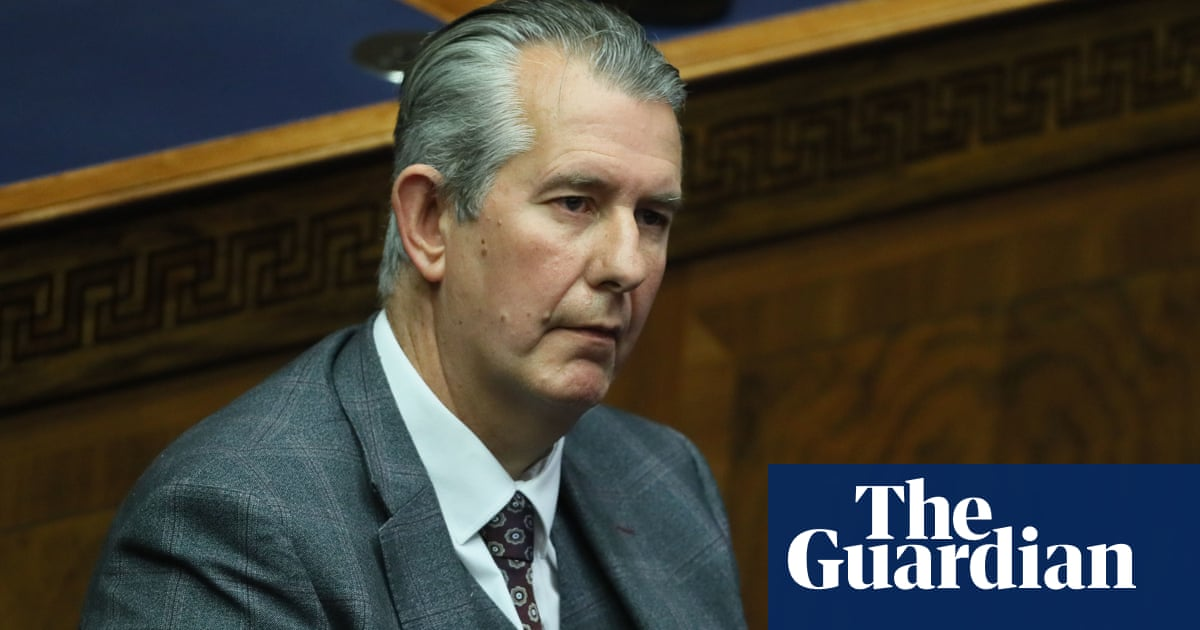 Why did Edwin Poots resign as DUP leader and who will replace him?