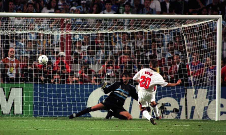 Michael Owen scores his penalty in the shootout against Argentina at the World Cup in 1998.