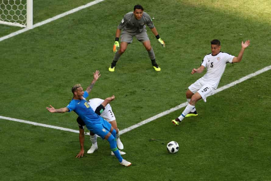 Neymar claims for a penalty as he goes down after the slightest of touches from Giancarlo González.