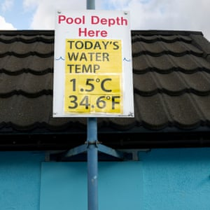 The 7th UK Cold Water Swimming Championships 2017 at Tooting Bec Lido, London, with water temperature at 1.5 degrees. Organised by SLSC (South London Swimming Club), the biannual international event attracts experienced cold water swimmers and first time splashers.