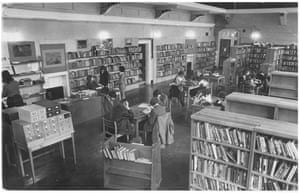 'An urgent need for qualified librarians' — Hampstead comprehensive school library, March 1976.GNM Archive ref: GUA/6/9/1/4/L box 7