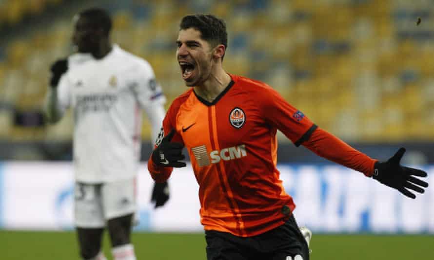 Manor Solomon celebrates after scoring for Shakhtar Donetsk against Real Madrid on 1 December.