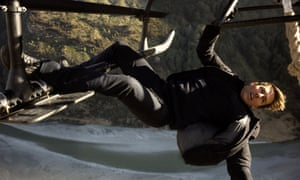 Tom Cruise hitches a lift in Mission: Impossible: Fallout