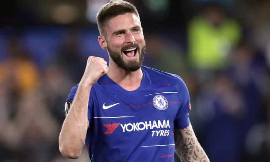 Chelsea striker Olivier Giroud has signed a new one-year contract with the club.