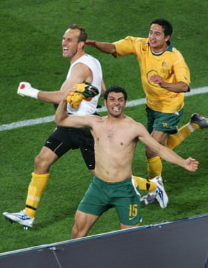This is what unbridled joy looks like – Mark Schwarzer, John Aloisi and Tim Cahill cannot contain their delight.