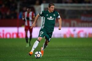 Joaquín in action against Girona on Friday night.