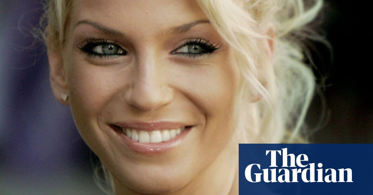 Sarah Harding, singer with Girls Aloud, dies aged 39 from breast cancer