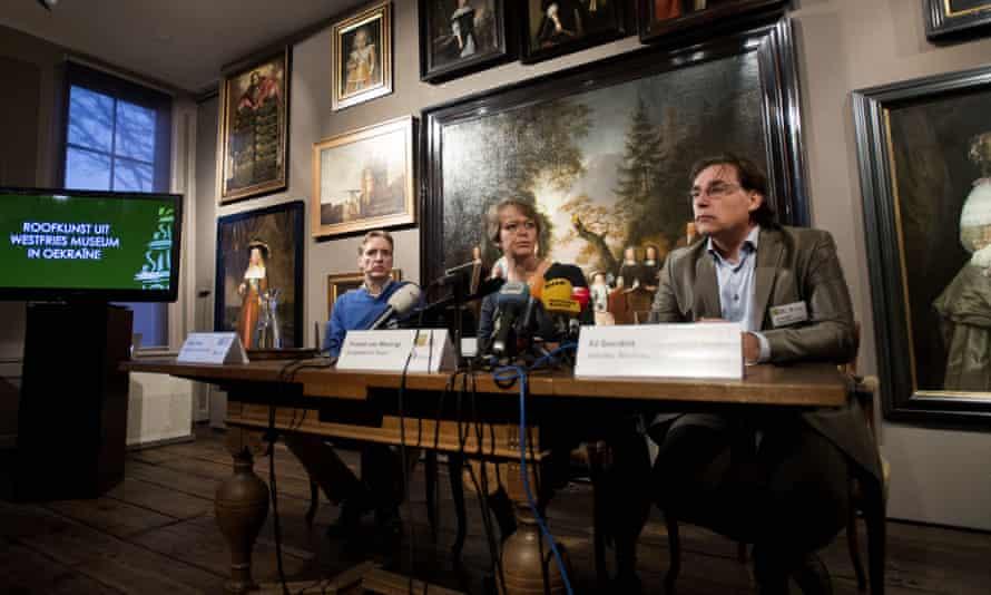 Art historian Arthur Brand, Hoorn's mayor Yvonne van Mastrigt and museum director Ad Geerdink