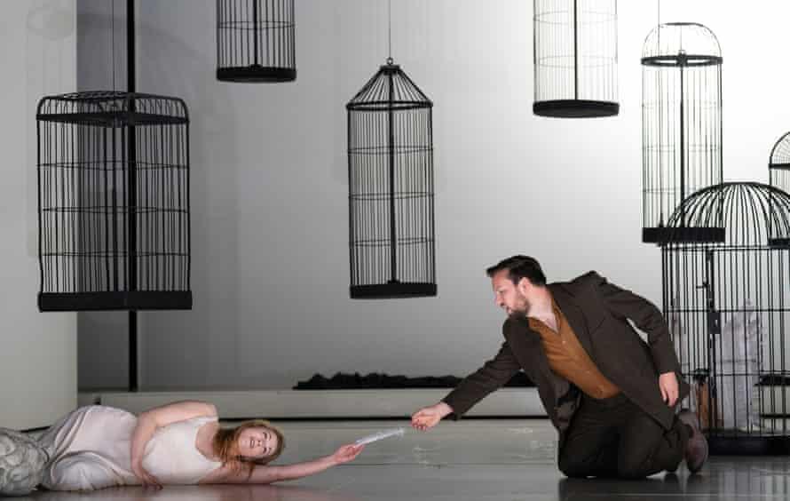Káťa (Kateřina Kněžíková) and Boris (David Butt Philip) at Glyndebourne.