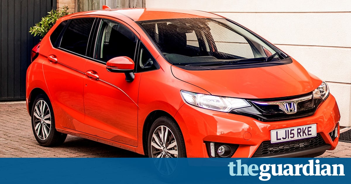 Honda jazz car review like driving your for Cars like honda fit