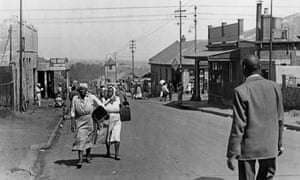 Toby Street, Johannesburg, circa 1950: the street divided the black suburb of Sophiatown from the white district of Westdene.