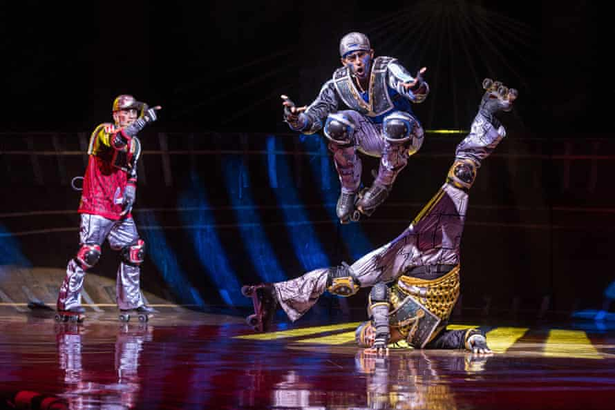 Athletes … the Bochum cast perform hip-hop interlude The Rap.