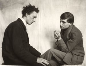 Bohemians, Willi Bongard, Gottfried Brockmann,1922–1925 The late German photographer, August Sander, was a pioneering documentary photographer and forefather of conceptual art. August Sander. Men Without Masks will be on at Hauser and Wirth Gallery, London, until 28 July. All photographs: August Sander/Die Photographische Sammlung/SK Stiftung Kultur-August Sander Archiv, Cologne/DACS 2018