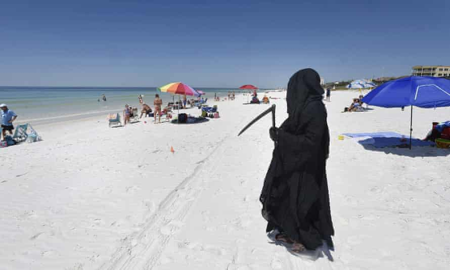 Florida Attorney Daniel Uhlfelder dressed as the Grim Reaper.