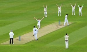 Craig Overton of Somerset appeals unsuccessfully for the wicket of Joe Weatherley.