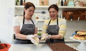 Miriam González Durántez, right, make chocolates