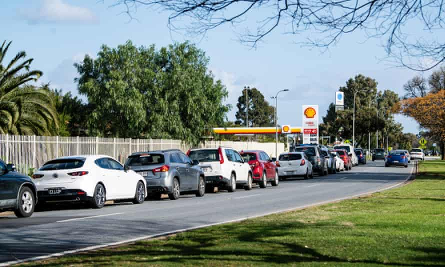 Cars lined up at a Covid-19 testing clinic in Adelaide's Elizabeth Park on Tuesday as South Australia went into lockdown