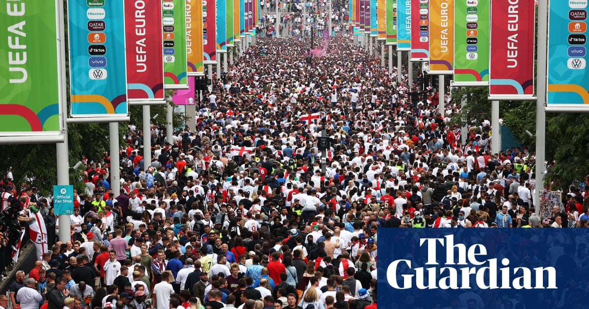 England fans force way into Wembley without tickets for Euro 2020 final