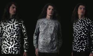 Nikolas Gregory Bentel recently released a new line of long-sleeved t-shirts called Aerochromics, which change colors according to pollution levels in the air. The shirts work similarly to a household carbon monoxide detector.