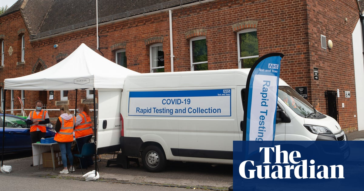 Scientists urge UK to expand official list of Covid symptoms
