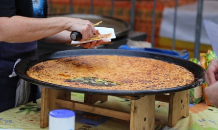 Farinata, socca, or cecina is a sort of thin, unleavened pancake or crêpe of chickpea flour in Nice.
