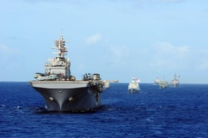 The Wasp-class amphibious assault ship USS Bonhomme Richard (LHD 6) and other ships assigned to the Rimpac 2010 combined taskforce transit the Pacific Ocean north of Hawaii.