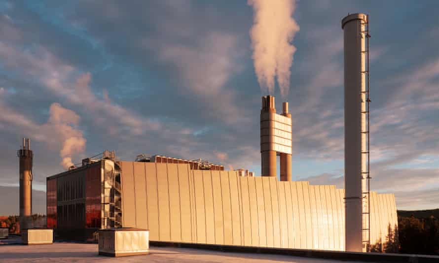 The Fortum Oslo Varme incinerator burns 400,000 tonnes of waste a year.