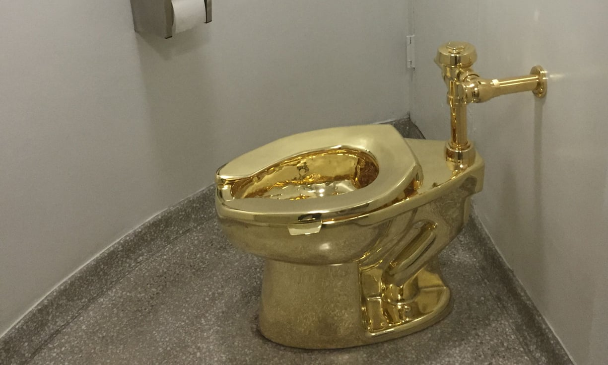 2314 - 18-carat gold toilet - Weird and Extreme