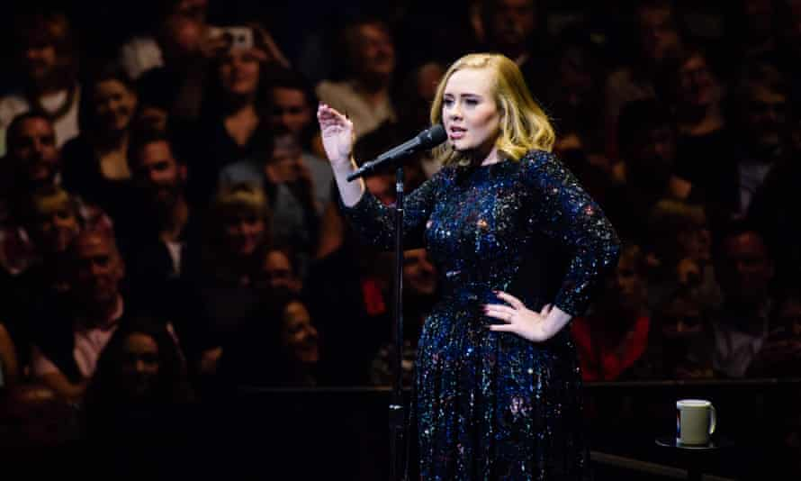 Adele on stage in Berlin 2016