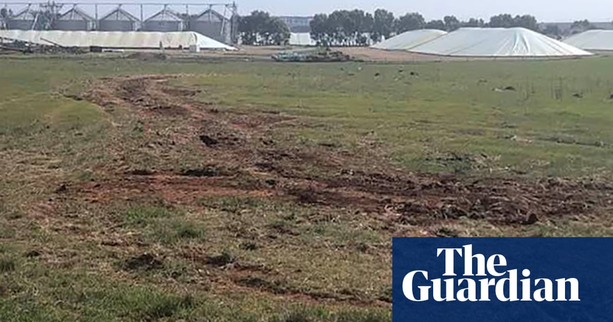 Farmer sorry for damaging Aboriginal site says he did not know it was heritage-listed