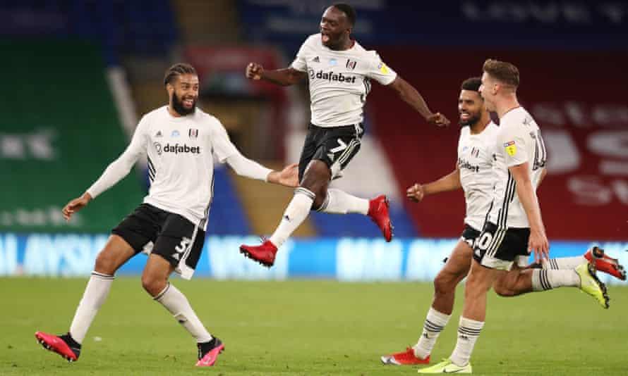 Neeskens Kebano celebrates after scoring against Cardiff