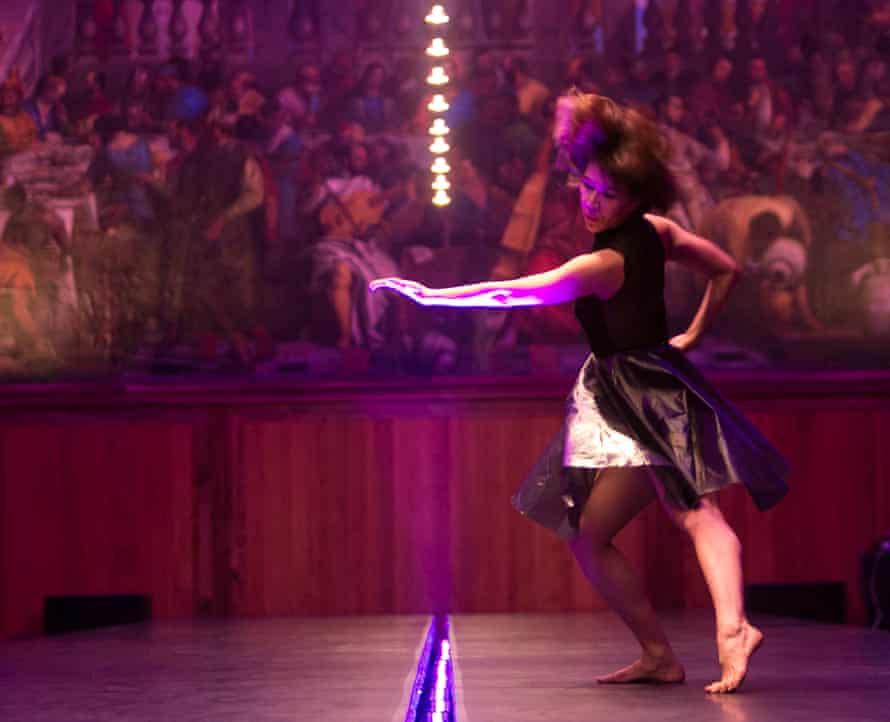 Shobana Jeyasingh Dance, Outlander, dancer Sunbee Han in Venice