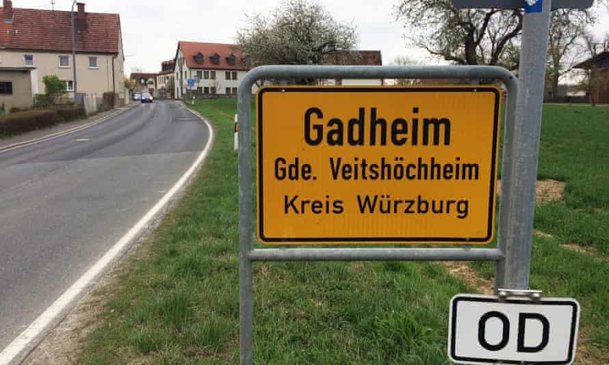 Gadheim road sign