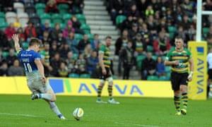 Owen Farrell kicked four penalties to guide Saracens to victory over Northampton Saints and retain their unbeaten start to the Aviva Premiership season.