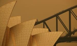 Sydney blanketed in bushfire smoke in December 2019