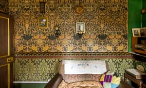 A room in David Parr's house.