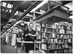 '55 miles of shelves' — the National Lending Library at Boston Spa, Yorkshire, 22 November 1972. GNM Archive ref: GUA/6/9/1/4/L box 7