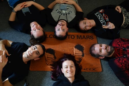 The crew for the 12-month Mars simulation in Hawaii.