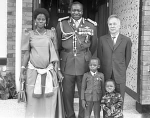 Amin and his family with the South Vietnamese President in Uganda, 1973.