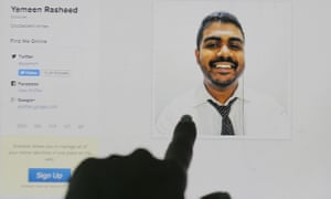An internet user points to a portrait of Maldivian blogger Yameen Rasheed on his blog, The Daily Panic.