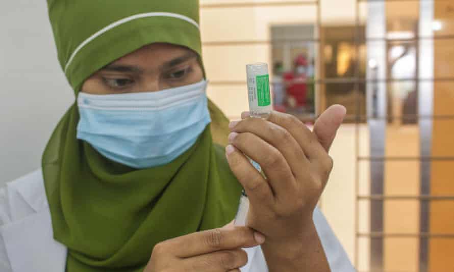 Covid-19 vaccination in Sylhet, Bangladesh, on 18 April.
