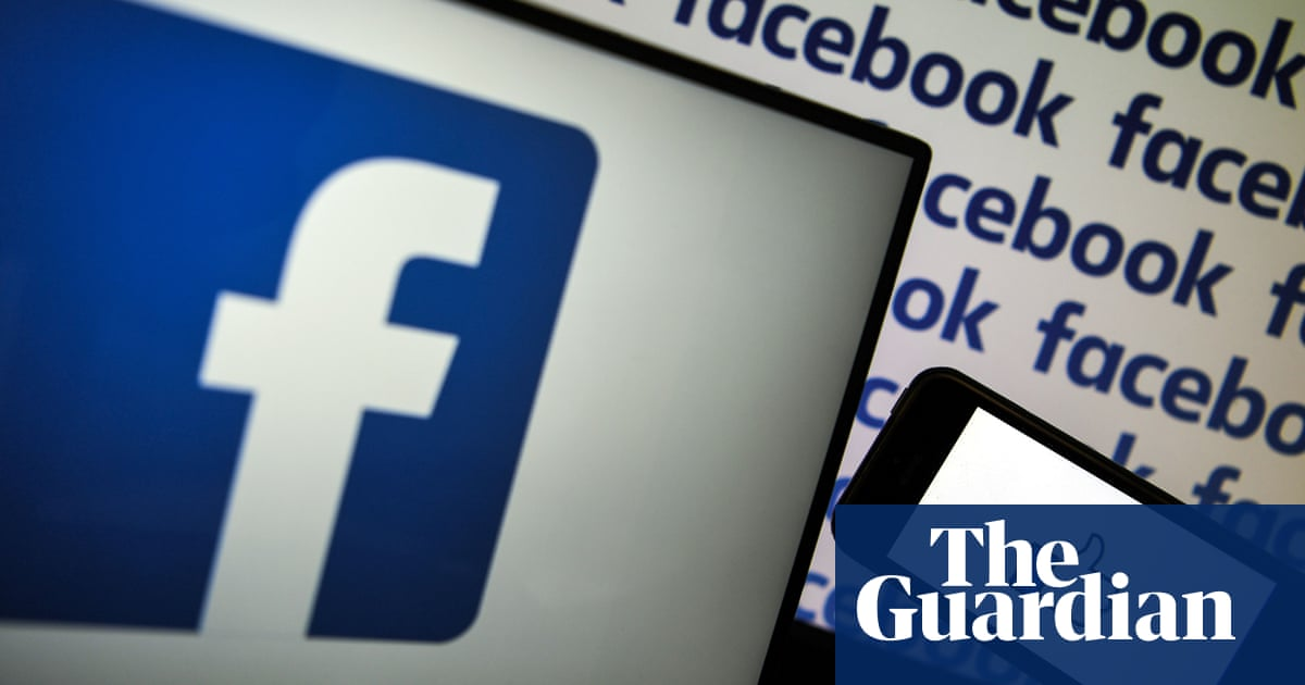 Facebook deactivates accounts of Tunisian political bloggers and activists