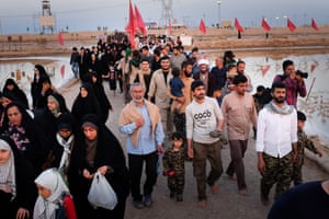 'Passengers of light' visit Iran-Iraq war memorials –a photo essay