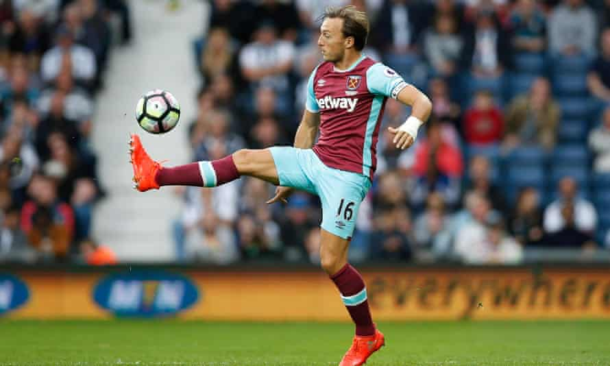 West Ham must keep their eyes on the ball against Southampton on Sunday in order to arrest their slump, believes Mark Noble.