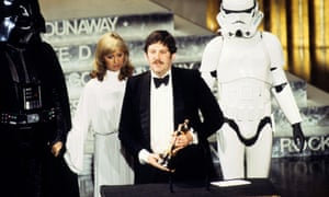 Mollo receiving the first of two Academy awards, for his work on Star Wars.