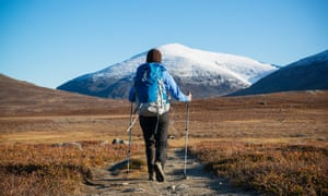 Heading north on the Kungsleden, in Swedish Lapland, with the snow-covered peak of Keron (1,543m) in the distance.
