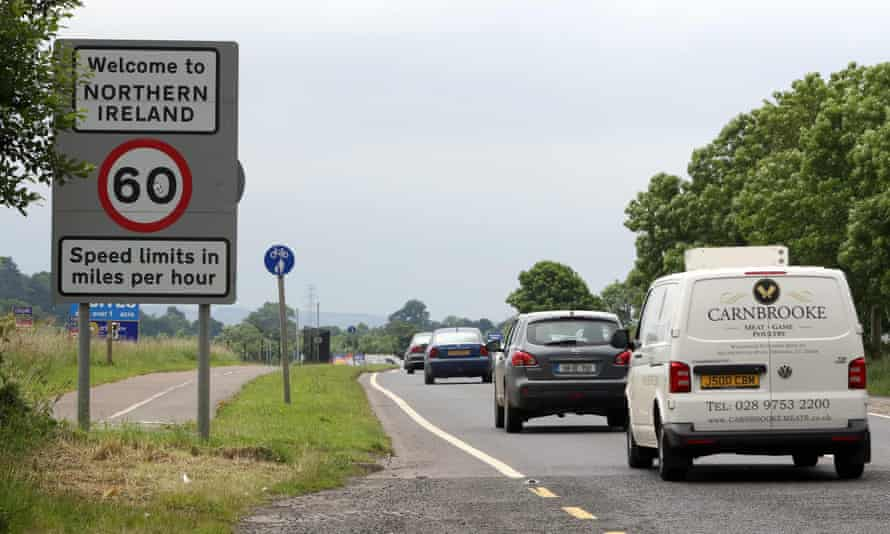 Cars crossing the border between Ireland and Northern Ireland