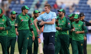 England stroll to victory over Pakistan, winning by nine wickets.